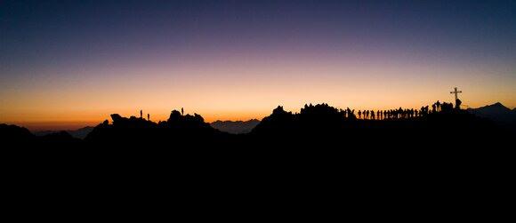 Lato w Verbier 4Vallées – wschód słońca na Mont-Fort