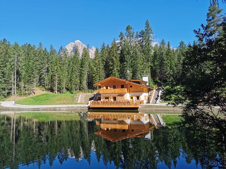 schronisko Lago d'Ajal